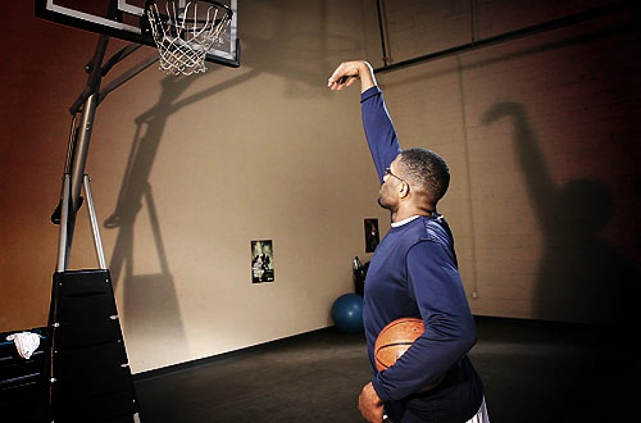 A Pro Basketball Workout Routine: Daily Shooting Drills for The Basketball Warm Up